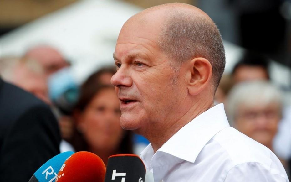 Βιώσιμη κυβέρνηση πέραν της κοινοβουλευτικής περιόδου θέλει ο Σολτς