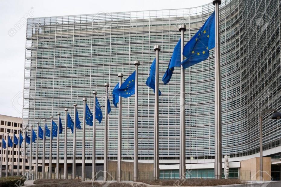 Μείωση φόρων και επιδότηση επιχειρήσεων προτείνει για τις τιμές ενέργειας η Ε.Ε.
