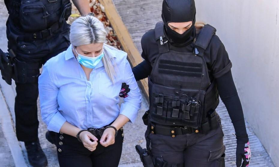 Δίκη για βιτριόλι: Μετατροπή της κατηγορίας ζήτησε ο συνήγορος ζήτησε ο συνήγορος της 37χρονης Έφης